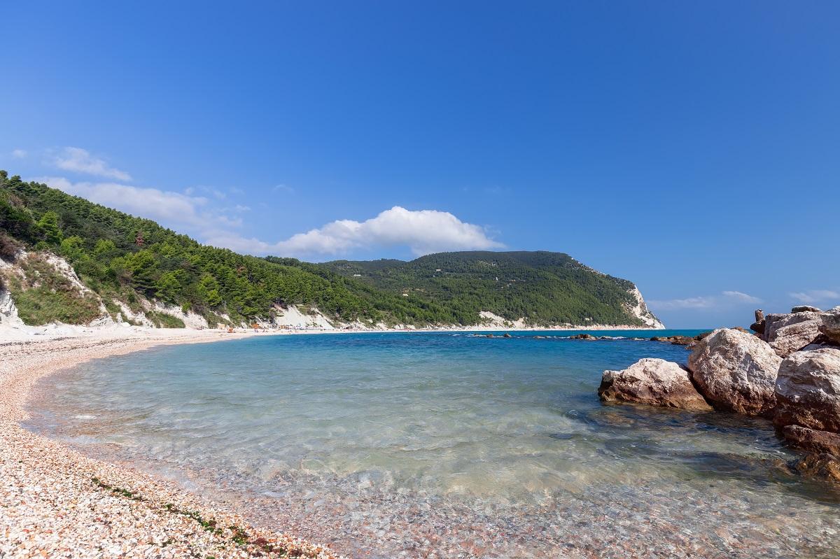 5 posti naturali unici da scoprire durante una vacanza nelle Marche